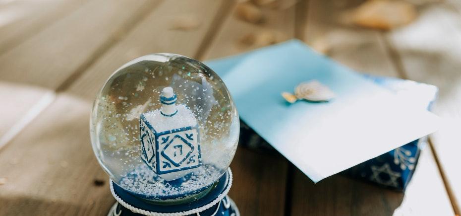 6 idei de cadouri de Crăciun pentru angajați